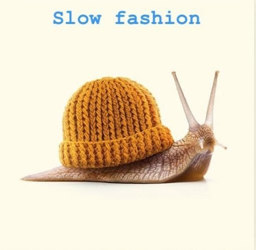 Snail with bogman beanie Slow Fashion