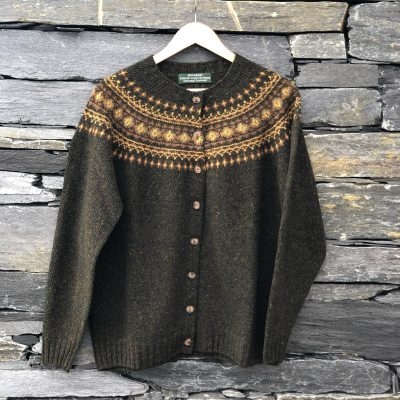 Lambswool cardigan in brown